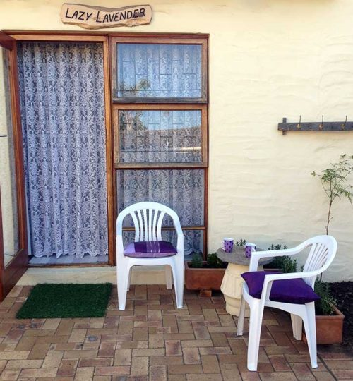 Lazy-Lavender-entrance-and-outside-smoking-area